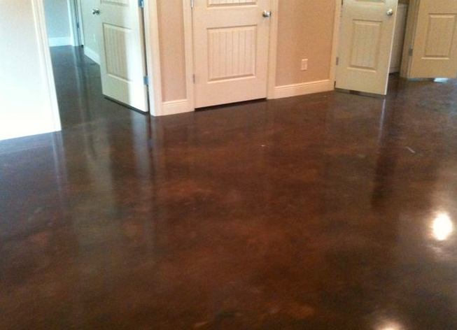 Crescent dc polished floor in home for Buffing stained concrete floors
