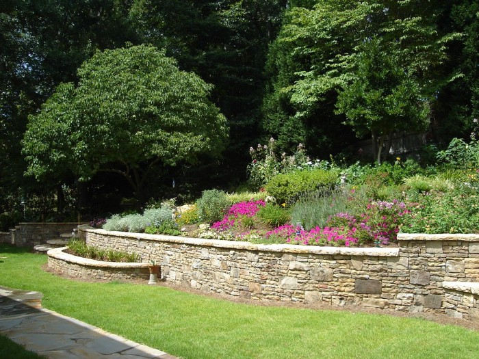 Crescent DC Nice Stone Garden Retaining Wall