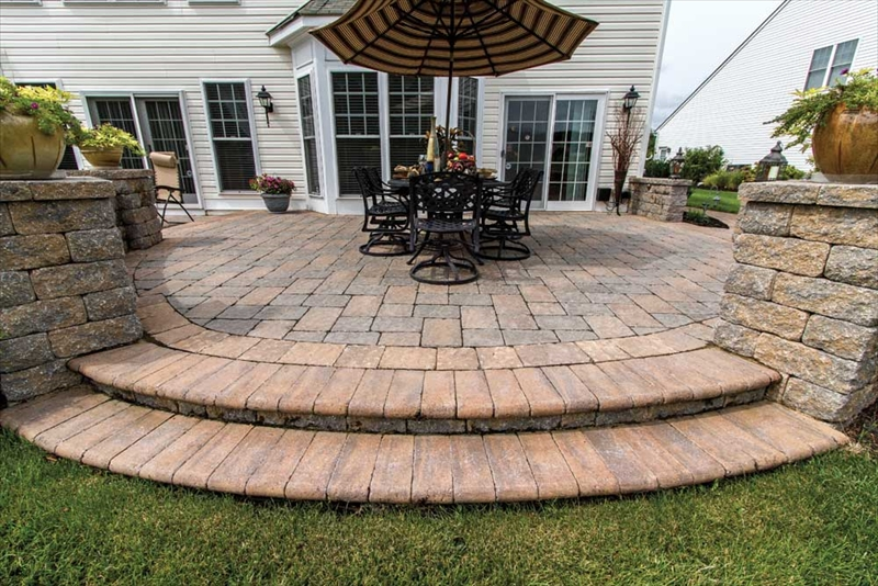 Example of a nice pavers patio in Northern Virginia