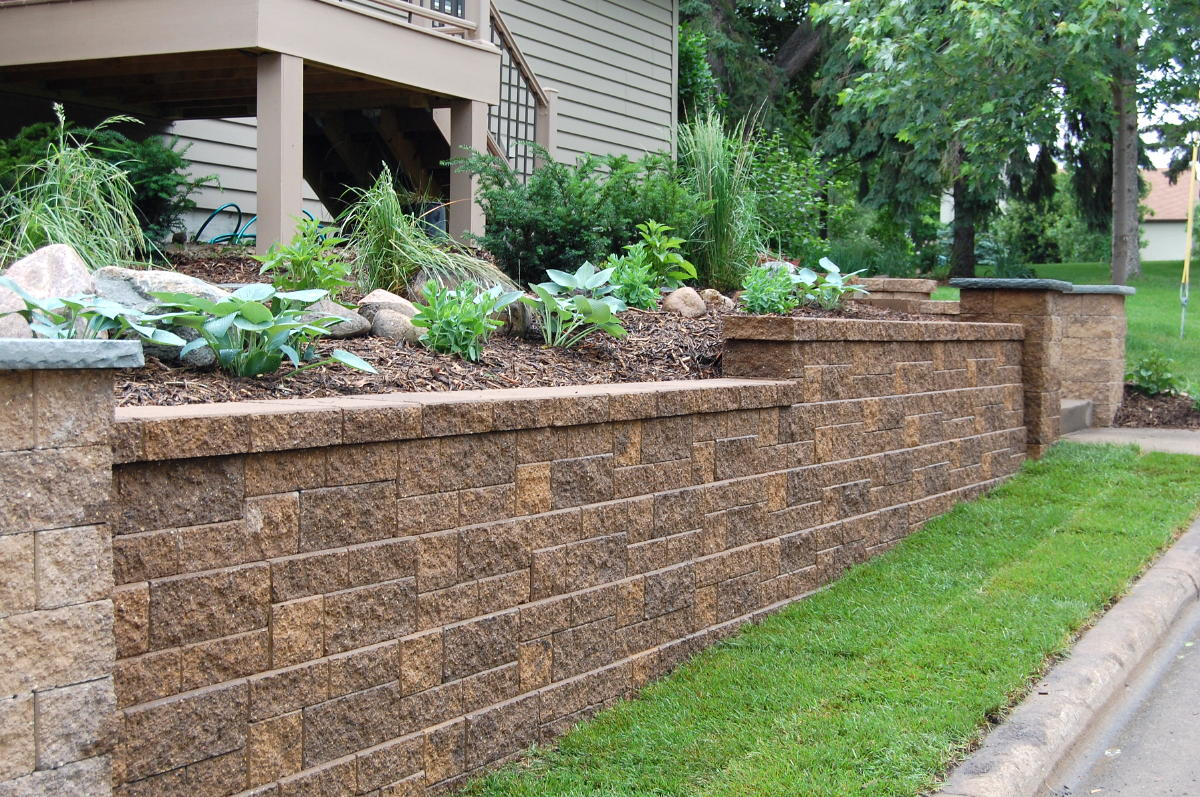Block Retaining Wall that Serves the Purpose as a Structural and Garden Retaining Wall